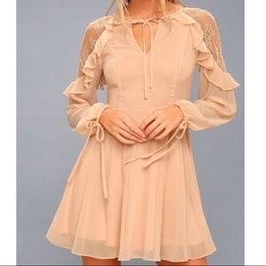 NWOT Lulu's Peach Lace Long Sleeve Dress